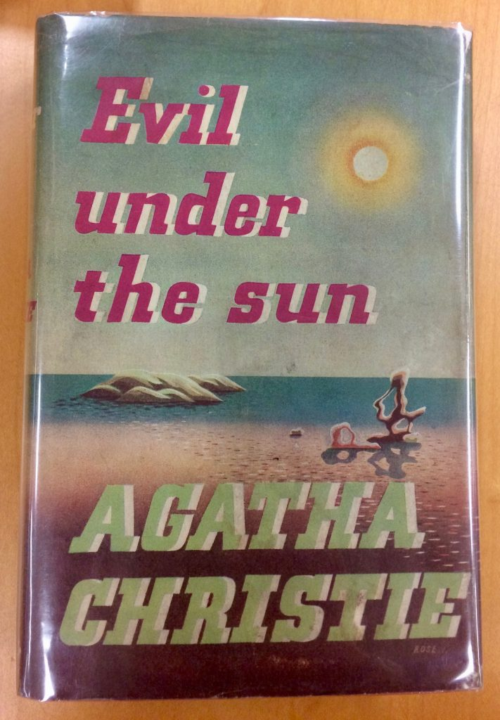 Cover of the book Evil Under the Sun, featuring an illustrated beach scene