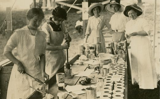 Sealing contest at the Tennessee State Fair, 1912. Virginia P. Moore is on the far right. Virginia P. Moore Collection, Special Collections, University of Tennessee Libraries.